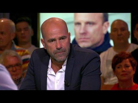 """Peter Bosz: """"Bergkamp zei: je hebt alleen bij Feyenoord gespeeld'' - VI ORANJE BLIJFT THUIS"""