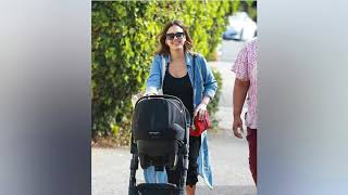 Jessica Alba shows off figure one month after giving birth