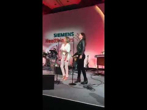 Sarah Wayne Callies LIVE