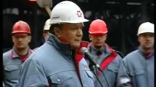 Робочий сміється з Януковича в Єнакієвому