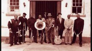 Dirty Dozen Brass Band - I shall not be moved