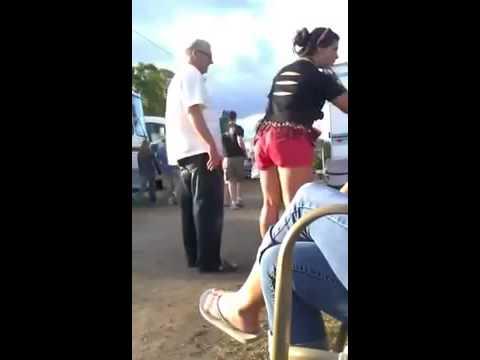 Drunk fat girlKaynak: YouTube · Süre: 43 saniye