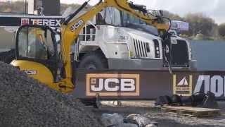 Дробление бетона гидромолотом(Демонстрация дробления бетона мини-экскаватором JCB 8035 ZTS в