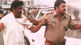 Police in Action Against Anna Gang - Action Scene - International Khiladi [2005] - Prakash Raj