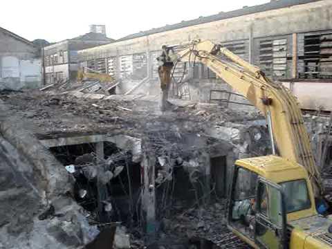 Demolição da Fabrica Ciane Matarazo 02 - Building Demolition