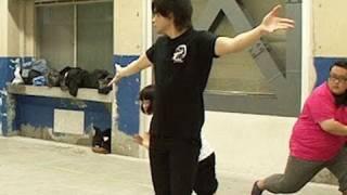 「少年X」名古屋公演ダンスレッスン風景です。 ノブコブ吉村さんのダン...