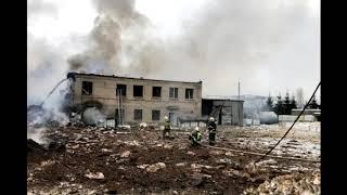 Смотреть видео Мощный взрыв под Петербургом онлайн