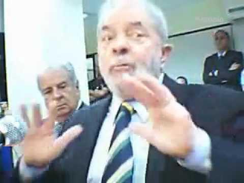 Veja Lula no banco dos réus da Lava Jato