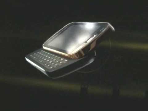 Giorgio Armani-Samsung smartphone: photocall con Giorgio Armani