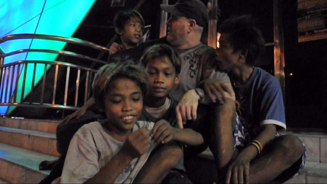 street children in the philippines essay Childrenstreet children in the philippines from wikipedia, the free encyclopedia street children in the philippines is a significant problem according to the 1998 report, entitled situation of the youth in the philippines , there are about 15 million street children in the philippines .