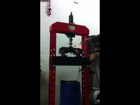 homemade hydraulic 8 ton gear puller scheibenziehen doovi. Black Bedroom Furniture Sets. Home Design Ideas