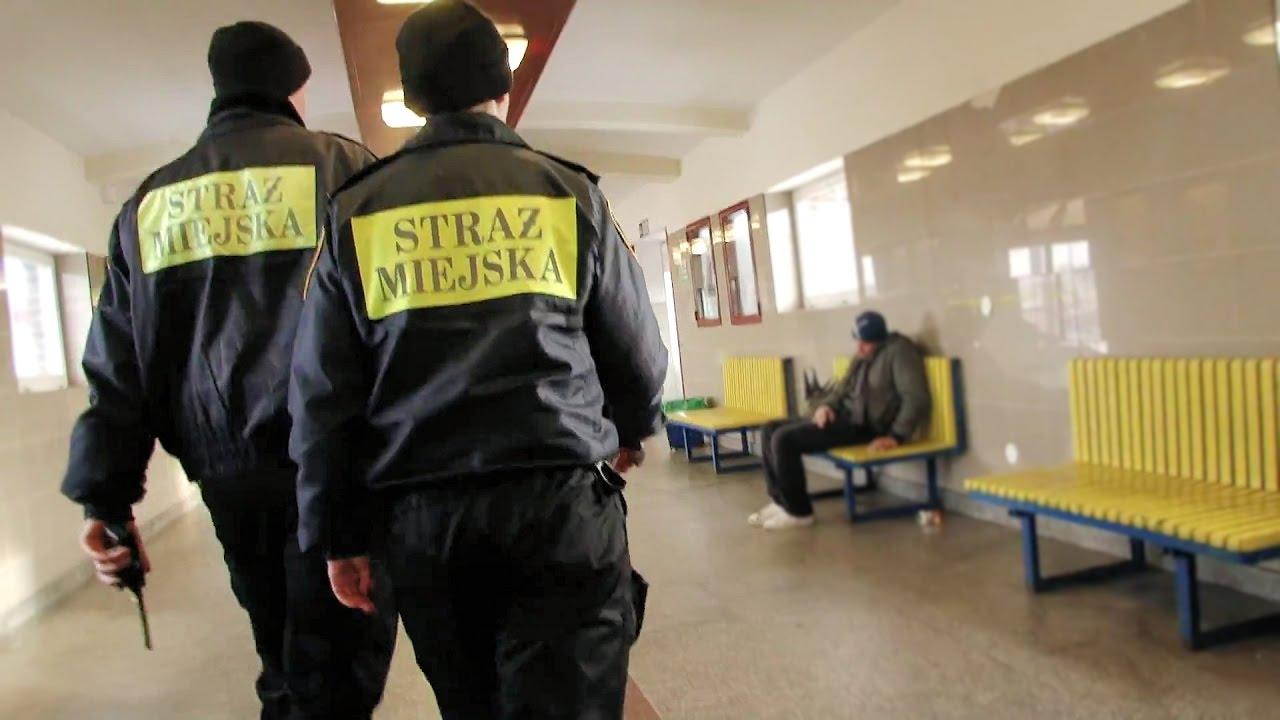 Tczew. Ze strażnikami miejskimi patrolujemy miasto w poszukiwaniu bezdomnych