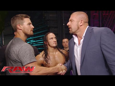 """Arrow"" star Stephen Amell gets a match at SummerSlam: Raw, Aug. 10, 2015"