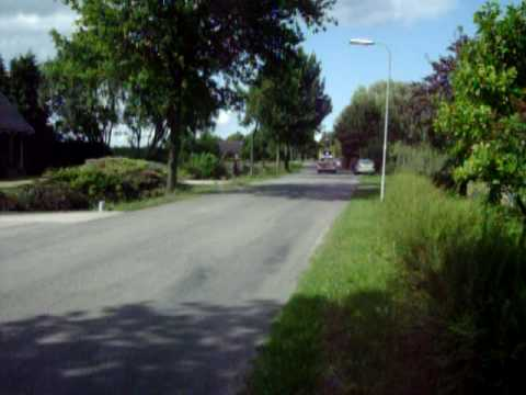 Man valt door dak aan de Noorderuitweg in Wijdenes
