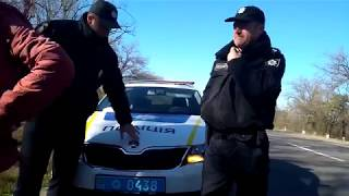 Полицейские довели девушку до истерики / The police brought the girl to hysterics