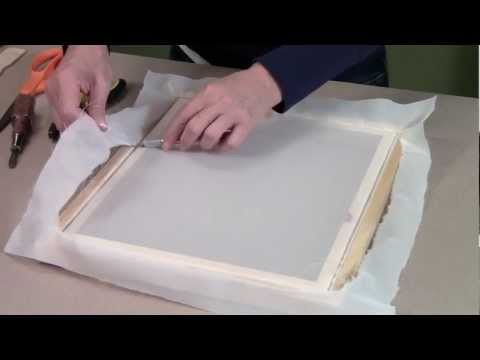 Replacing the screen printing fabric