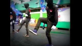 SHUFFLE DANCE MAKASSAR - LIQUID STREET SHUFFLE Perform Perdana @KAMPUS UIT MAKASSAR