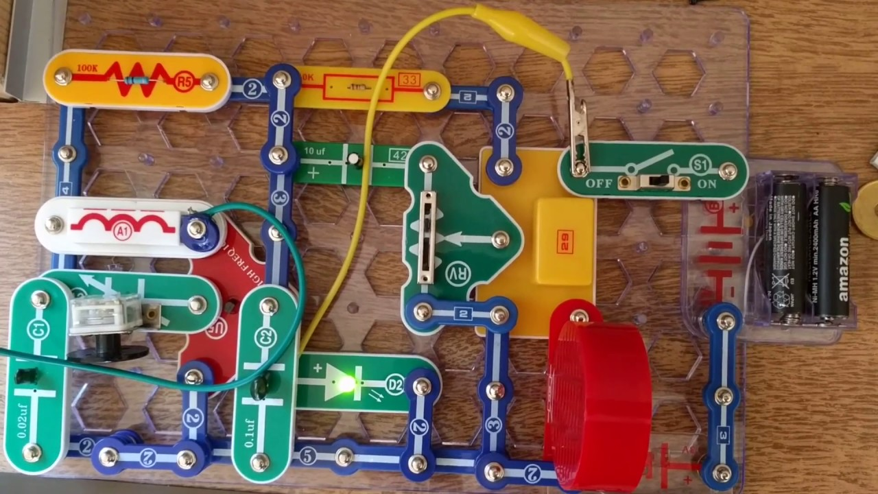 Snap circuits AM radio with ON LED and aligator clips as antenna