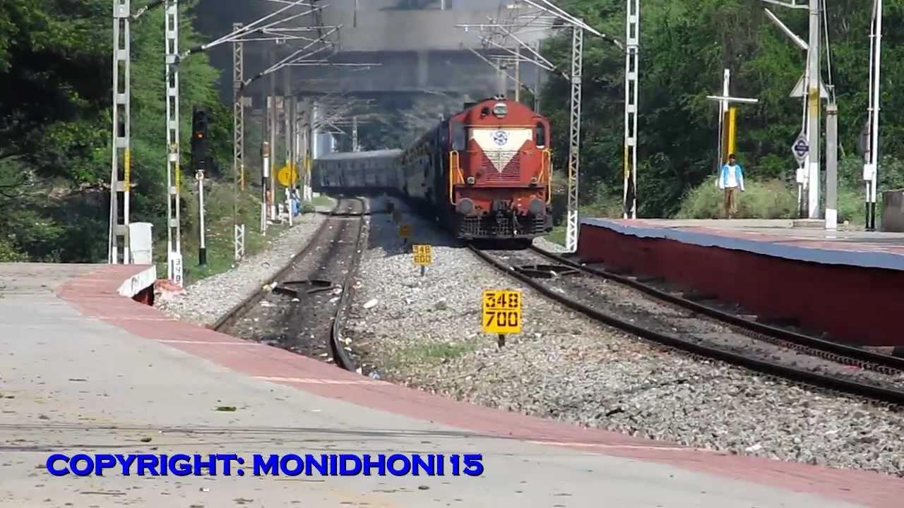 12628 NEW DELHI - BANGALORE KARNATAKA EXPRESS. - YouTube