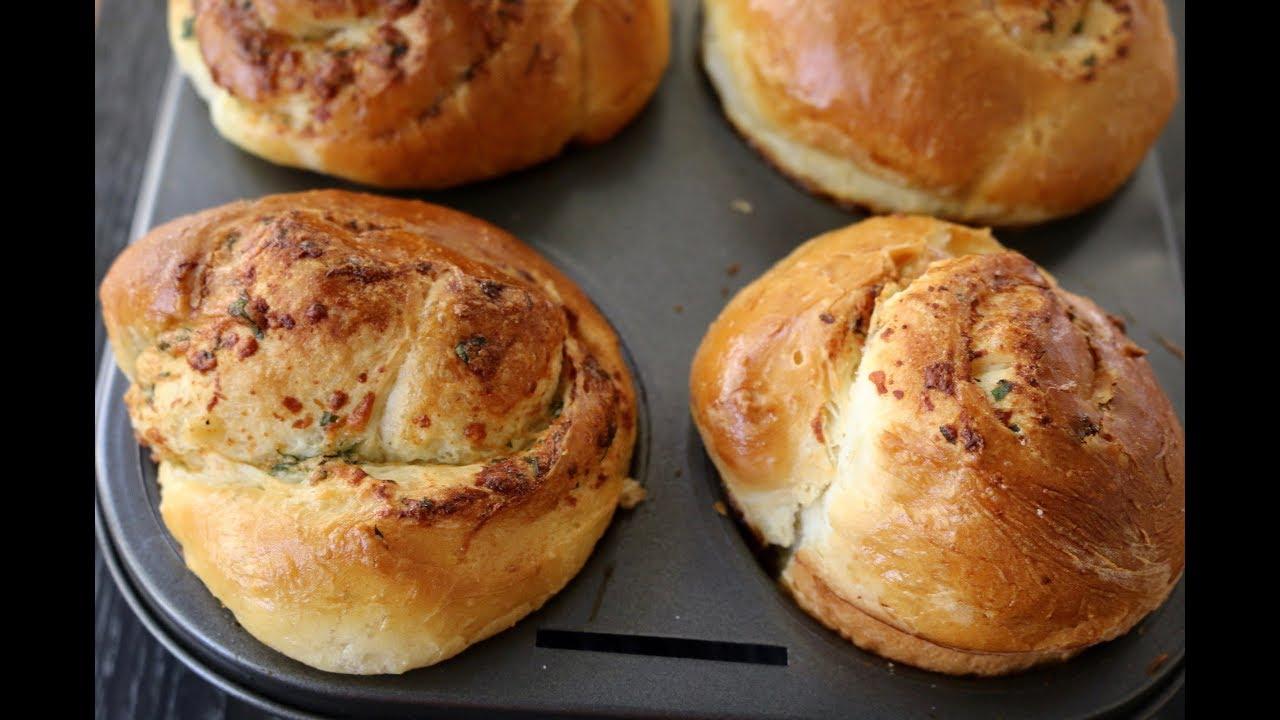 Bánh Mì Cuộn Phomai Bơ Tỏi Ăn Mãi Không Chán
