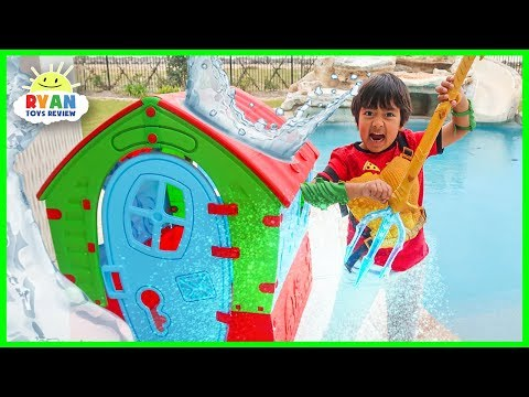 Superhero Kid Ryan Pretend Play Helps Aquaman using Trident!