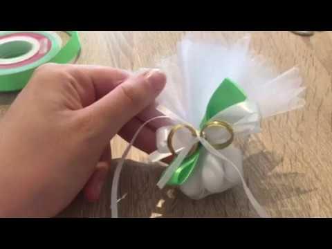 Idee Bomboniere Promessa Di Matrimonio.Sacchetto Porta Confetti Con Fedi Promessa Di Matrimonio