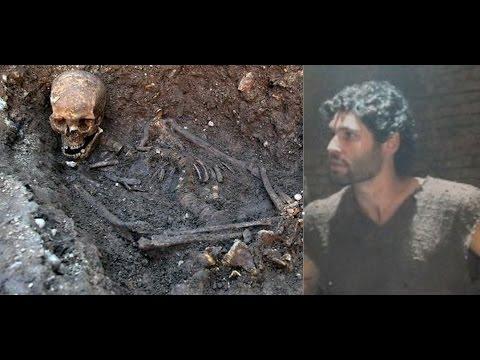 O Rico e Lázaro, Sammu Ramat manda o feitor Larsa enterrar Asher