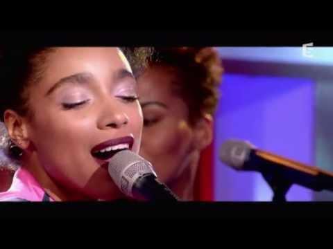 Lianne La Havas, en live, avec Unstoppable - C à vous - 04/09/2015