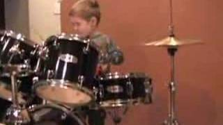 amazing 3 year old drummer