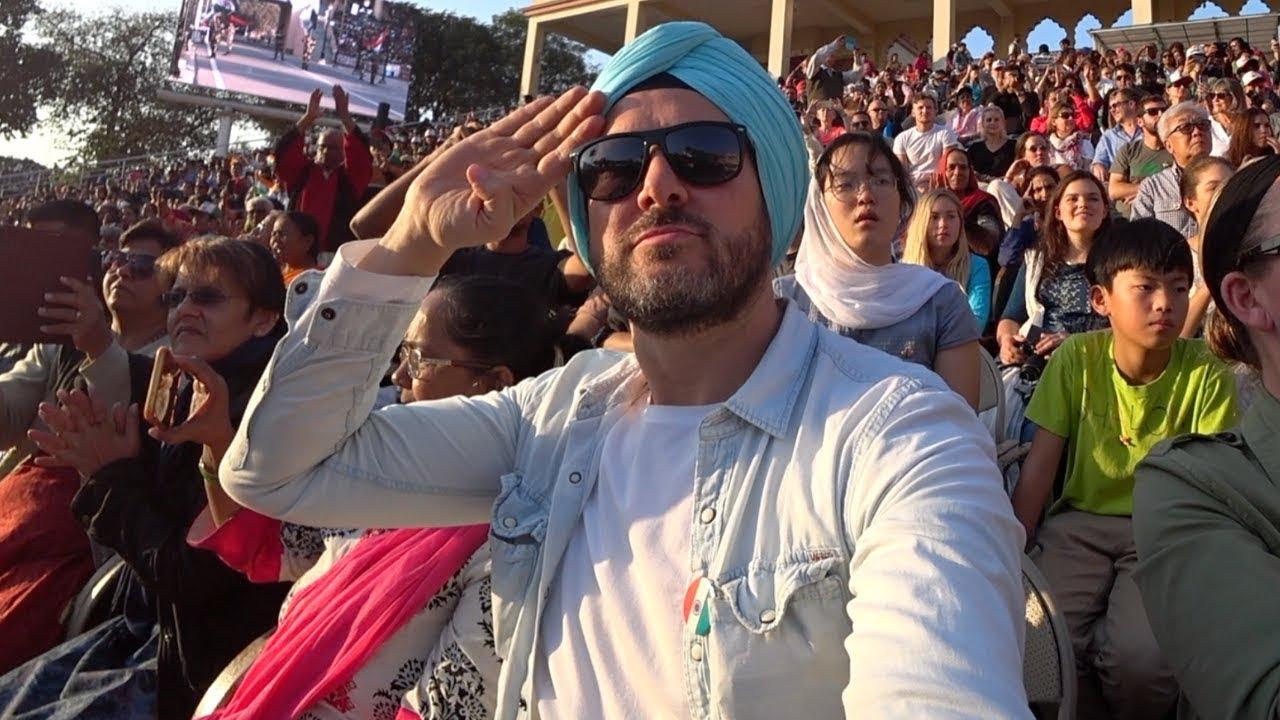 Funny India - Pakistan Border Ceremony 🇮🇳 - YouTube