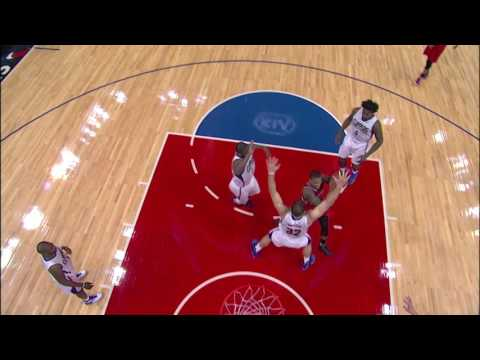 Lillard Gets the Circus Shot to Fall - 12.12.16 - 동영상