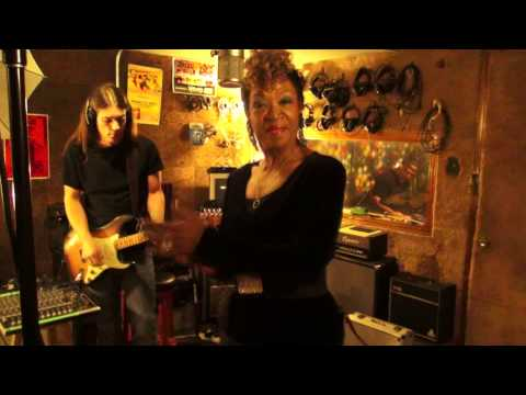 TRUDY LYNN - Red Light (BLUES MUSIC VIDEO) v1.2