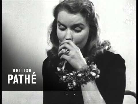 Fashion Feature 1947