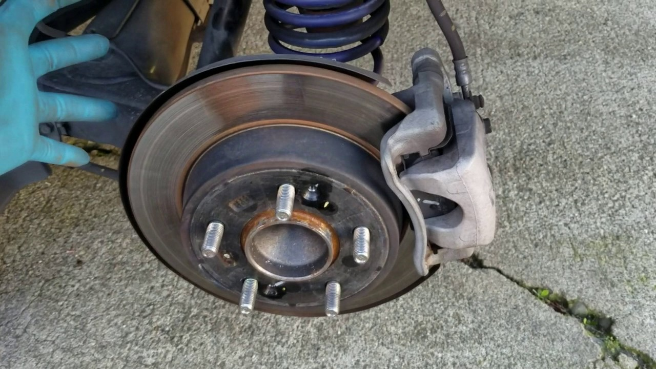 Hyundai Brake Lining : Service manual brake change on a hyundai accent