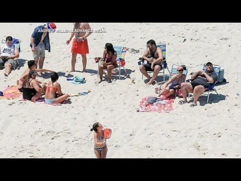 Gov. Chris Christie Unapologetic About Beach Photos