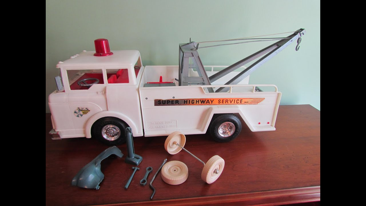 Marx Toys Big Bruiser Battery Operated Super Highway Service Tow