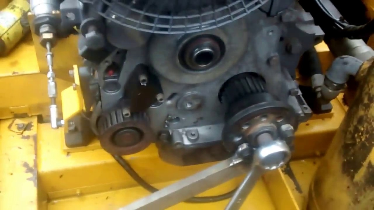 Deutz 1011 Timing Belt And Oil Seal Change Part 1