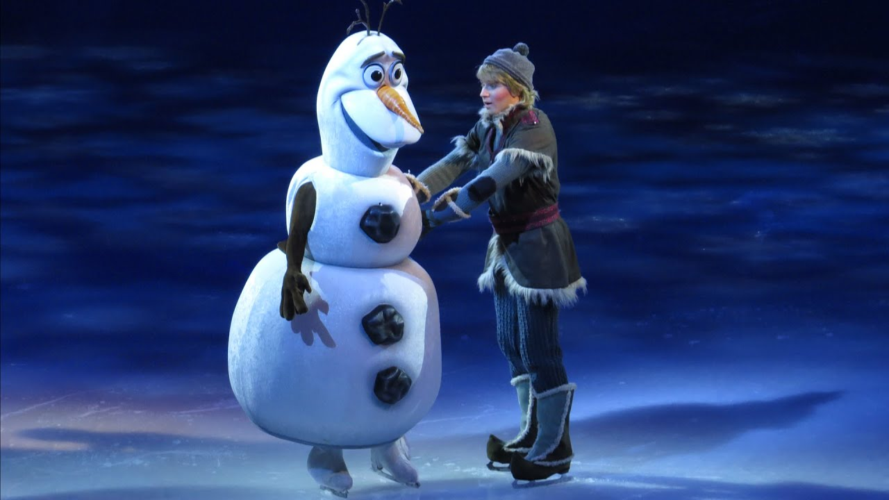 Olaf makes live debut meets anna kristoff and sven