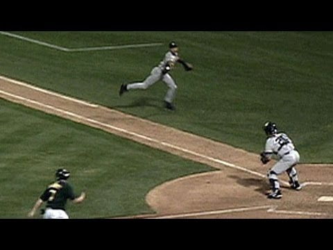 Derek Jeter makes The Flip to nab Giambi at the plate in the 2001 ALDS
