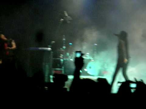 Marilyn Manson - The Beautiful People (03-12-2009 Madrid)