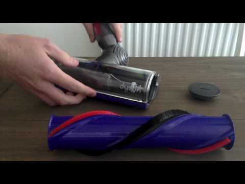 Dyson V8 - Cleaning the Brushbar