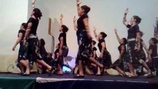 Minist. de Dança Híllar's-Coreografia Eu me Rendo . thumbnail