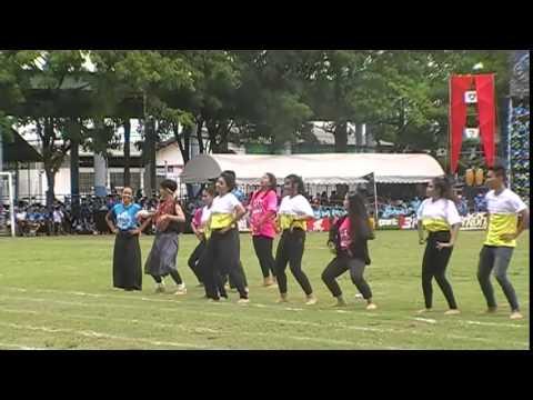 การแสดงพิธีเปิดกีฬาสี สระบุรีวิทยาคม 2558 ของสีเหลือง