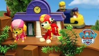 Щенячий Патруль на русском - Щенки спасают гонщика. Paw Patrol Jungle Monkey Temple Playset Lookout