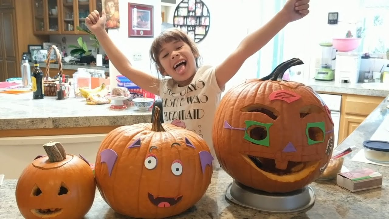 Halloween! Peanut Carving Pumpkin With Baby Mango (part 1)