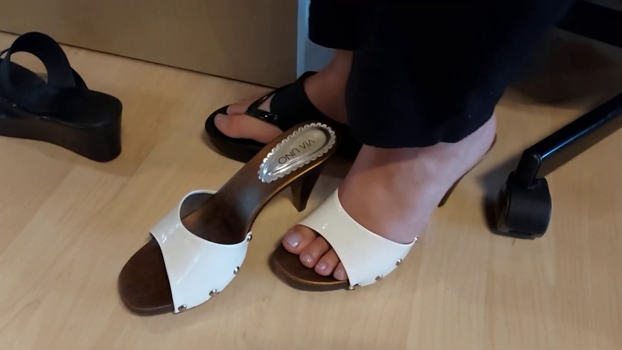 Mature feet in wood mules