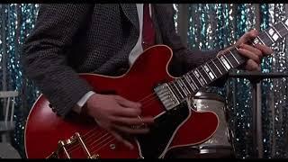 Марти играет на гитаре ... отрывок из фильма (Назад в будущее/Back to the Future)1985