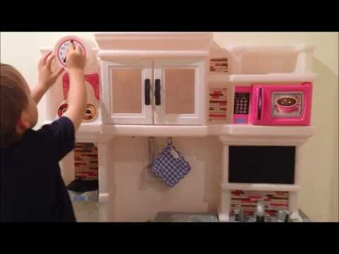 Step 2 Little Bakeru0027s Kitchen With Cupcakes Review   YouTube
