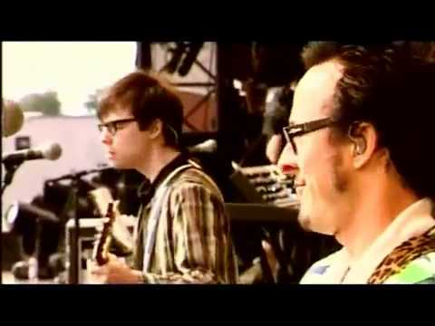 Weezer - Hash Pipe (live in Rock am Ring) (HQ)