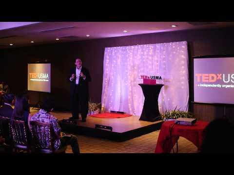 Aquello que le prestas atención, crece | Dr. Carlos Leiro | TEDxUSMA